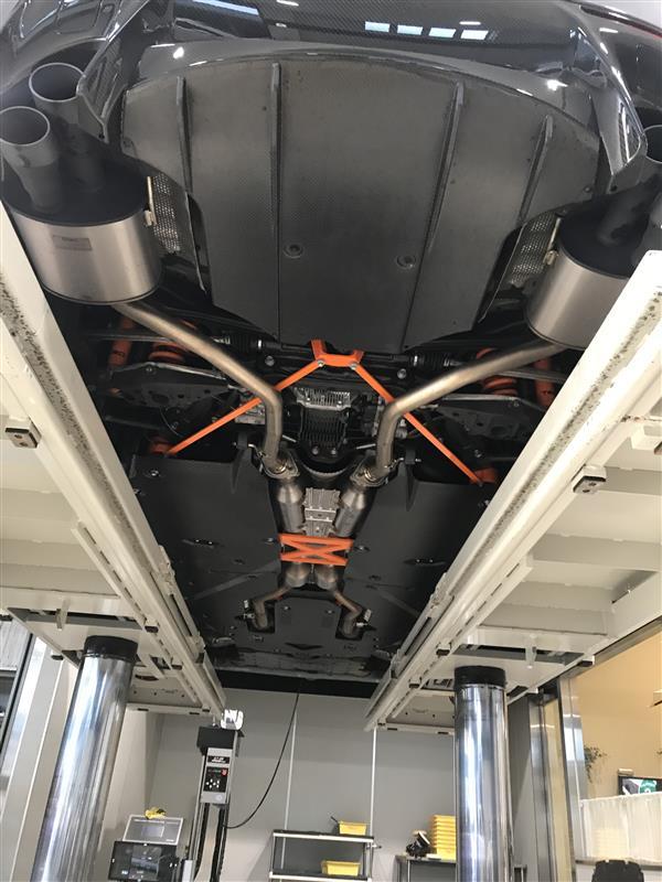 TRD / トヨタテクノクラフト CFRP エアロアンダーブレース