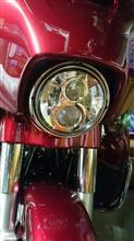 ストリートグライドハーレーダビッドソン(純正) LEDヘッドライト 7インチの全体画像