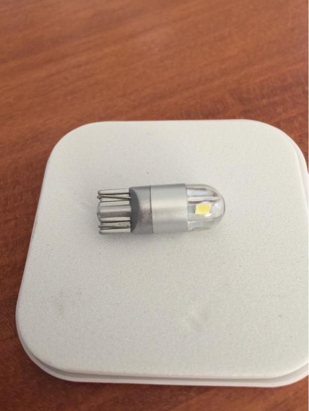 SUPAREE T10 LEDランプ