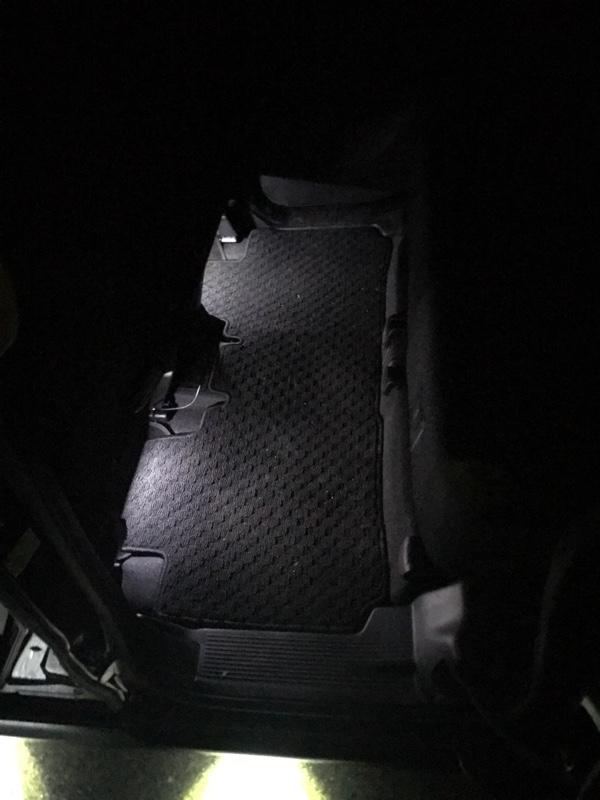 自作 ルームランプ連動フットランプ