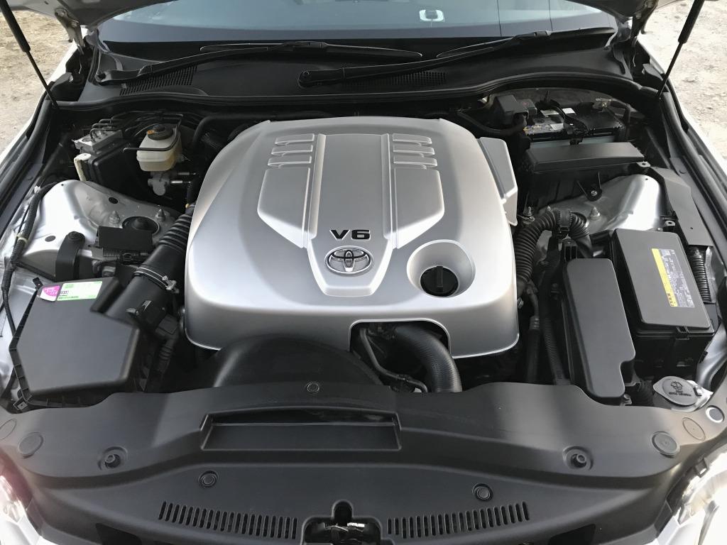 トヨタ(純正) 180系クラウン用エンジンカバー