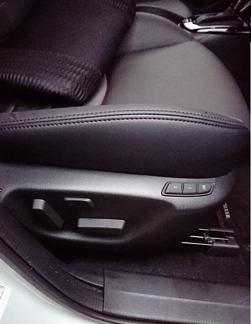 マツダ(純正) 運転席10Wayパワーシート&シートメモリー