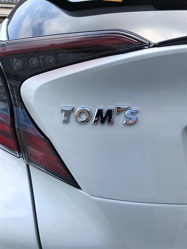TOM'S エンブレム
