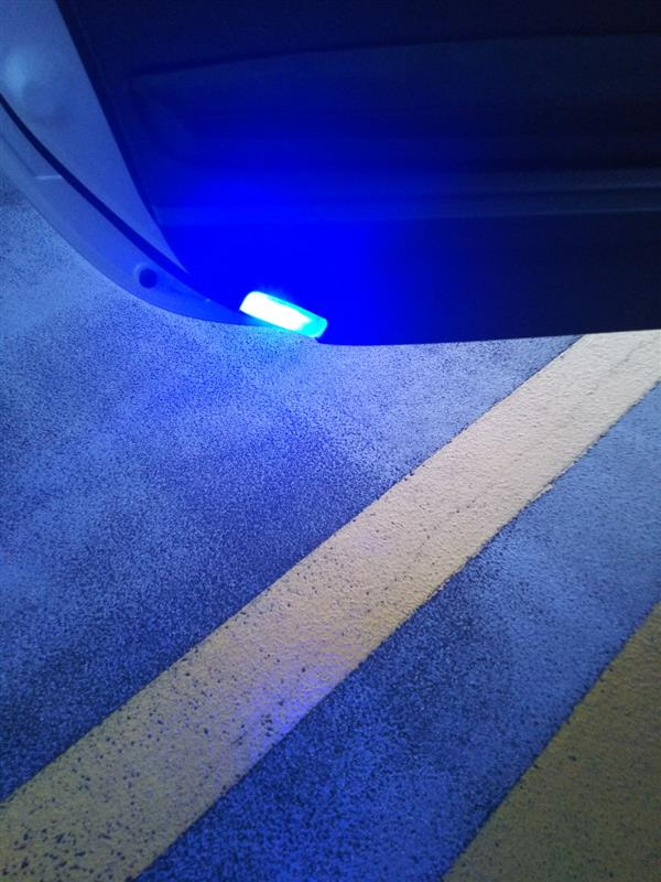 GARAX ドアカテシーランプ  色ブルー