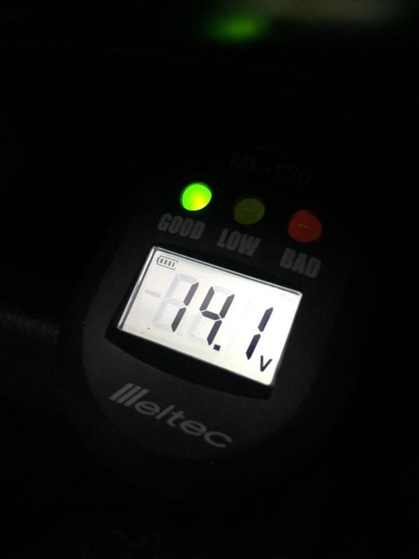 エーモン 電圧計