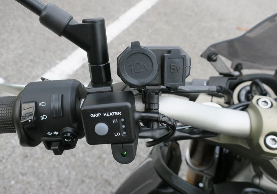 汎用 DC12V/5V USB 2連ソケット