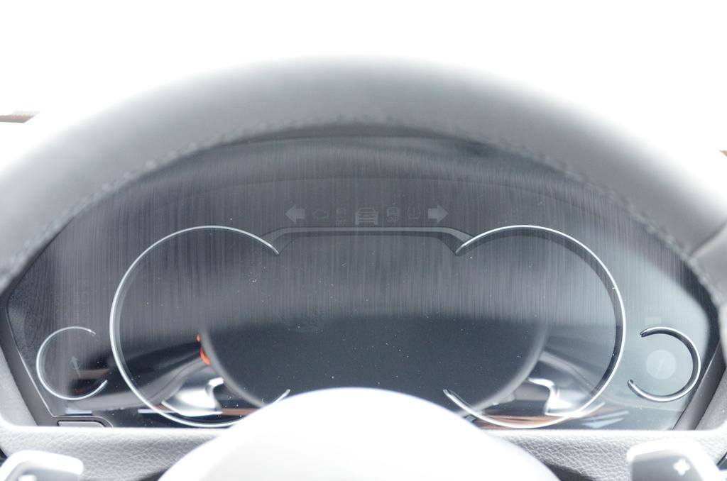 BMW(純正) 液晶メータ