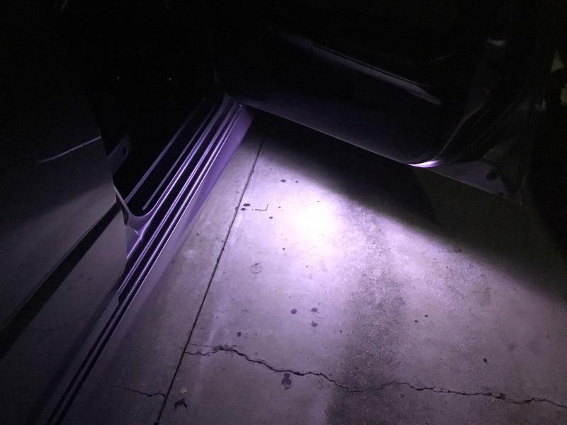 自作 白LED カーテシランプ