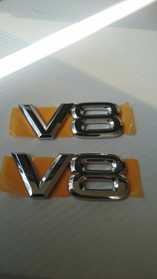 トヨタ(純正) ランドクルーザー用V8エンブレム