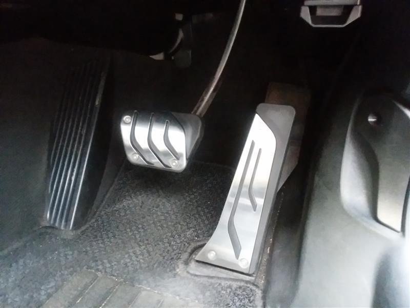 グローアップ アート ガレージ BMW用汎用ペダルセット