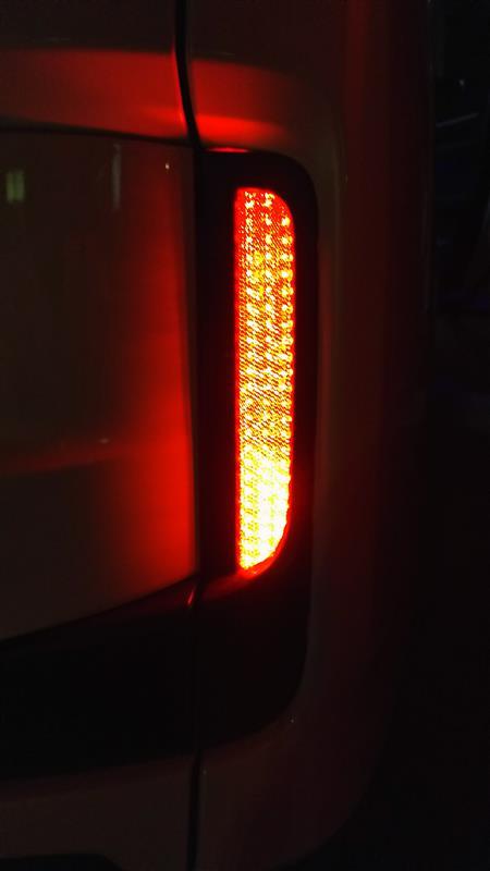 不明 純正改LEDリフレクター