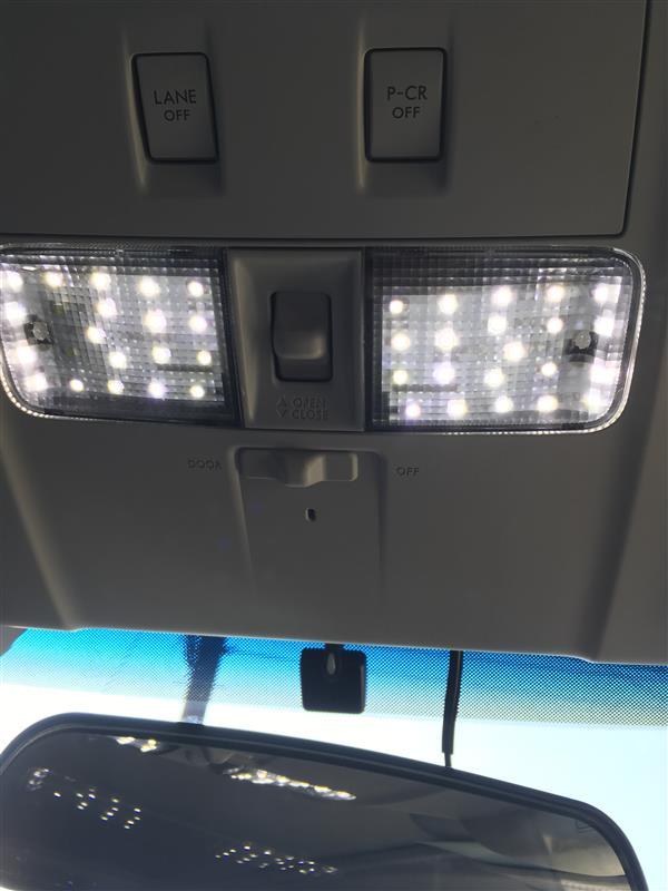 不明 LEDルームランプ
