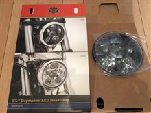 XL1200X フォーティーエイトハーレーダビッドソン(純正) デーメーカーLEDヘッドライト  HD/5-3/4インチ の単体画像