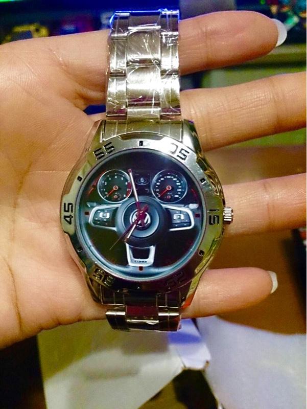 Aliさん Volkswagen 腕時計