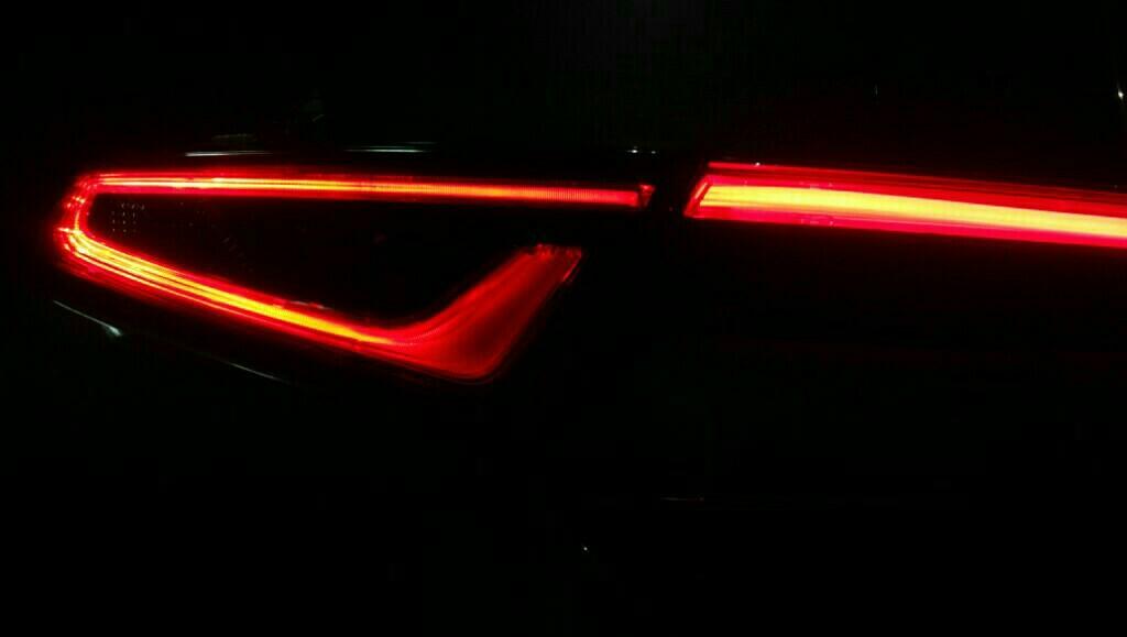 烏屋 センターテール・サイコフレーム化(LED)