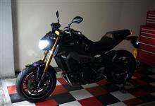 MT-09ノーブランド バイク LEDヘッドライト H4 hi/lo HS1 の単体画像