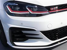 ゴルフ (ハッチバック)VW  / フォルクスワーゲン純正 フロントバンパーグリル グロスブラック加工の全体画像