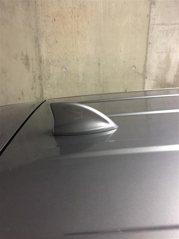 三菱自動車(純正) シャークアンテナ