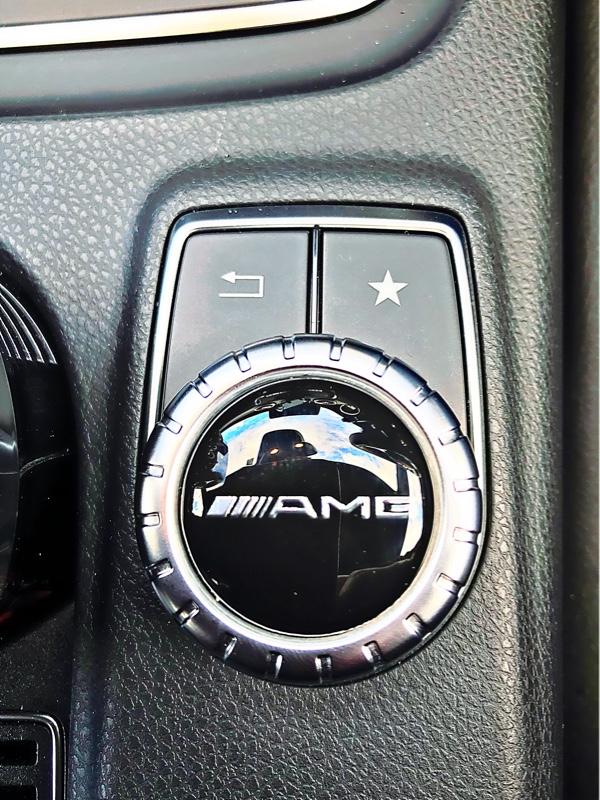 不明 AMG コマンドステッカー