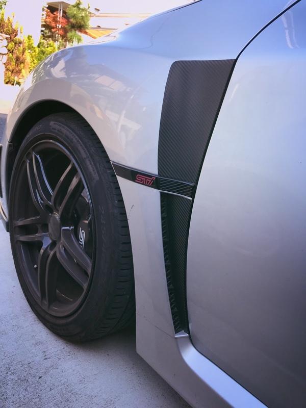 Premium Auto Styling カーボン柄 フェンダーアクセントステッカー