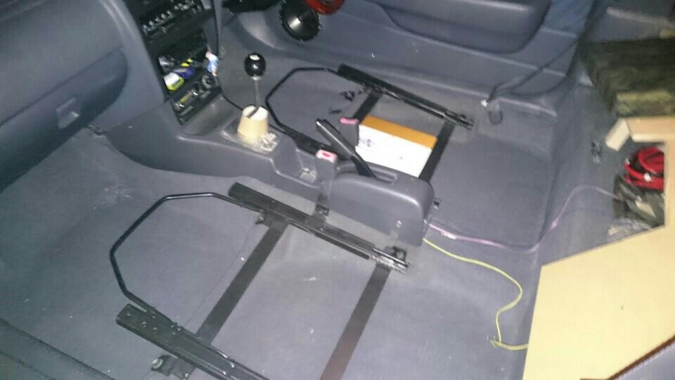 自作 ローポジション加工シートレール