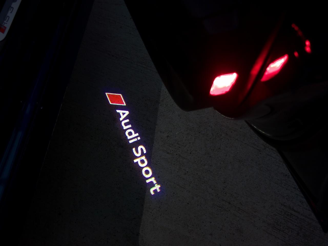Audi純正(アウディ) ドアエントランスLED(Audi Sport)