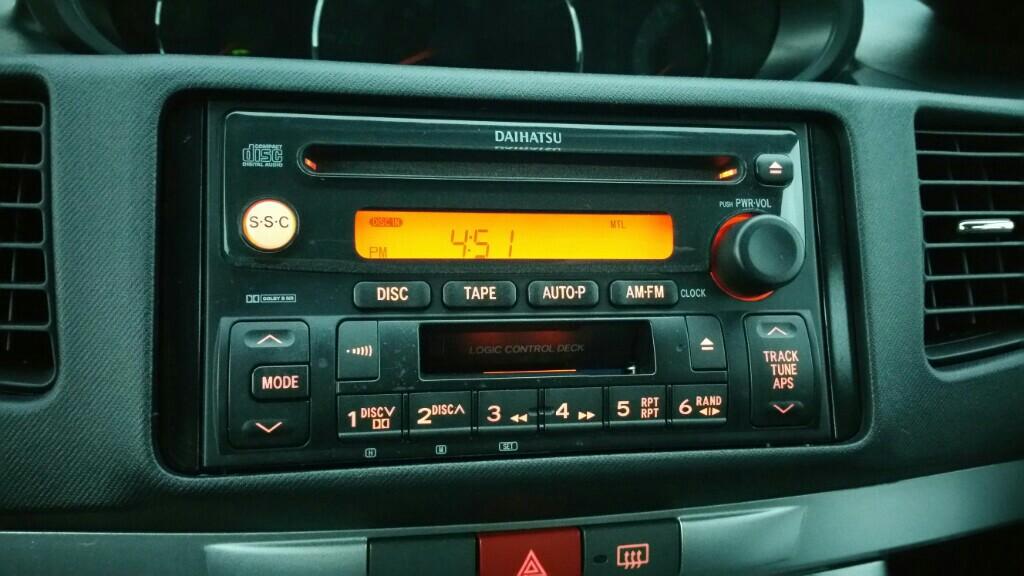 ダイハツ純正 CD カセットラジオ