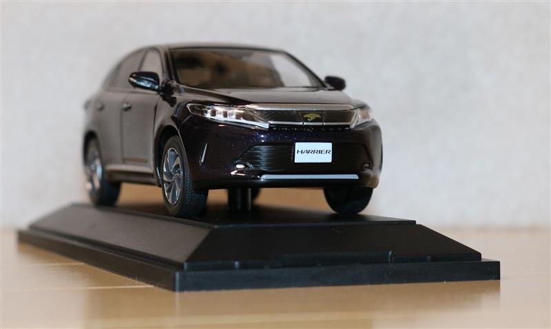トヨタ(純正) 2台目新車ハリアー購入!(1/30ダイキャスト)
