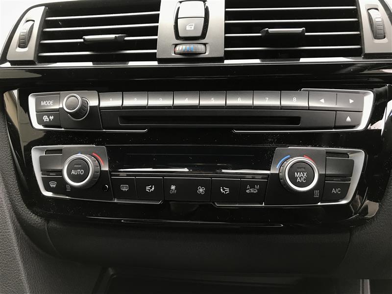 BMW(純正) LCIエアコンパネル