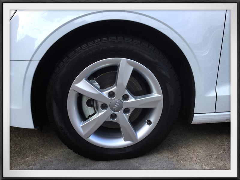 Audi純正(アウディ) スタットレスタイヤ