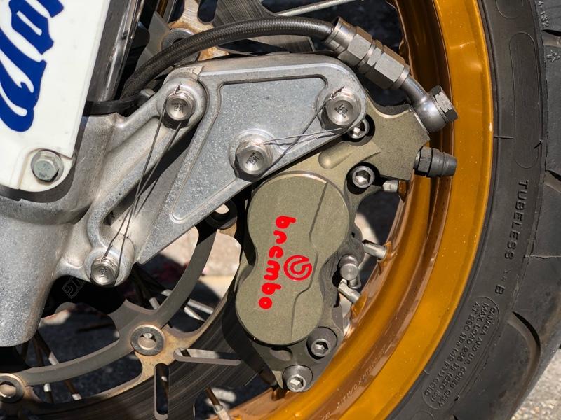 brembo 4pot レーシングキャリパー