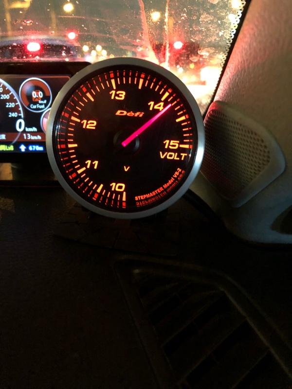 Defi Racer Gauge 電圧計