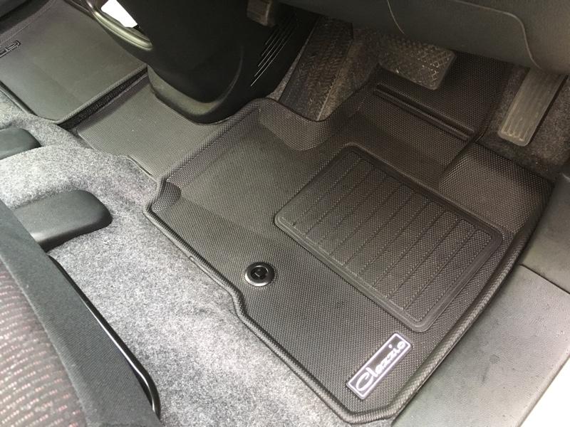 Clazzio / ELEVEN INTERNATIONAL 車種別専用立体マット