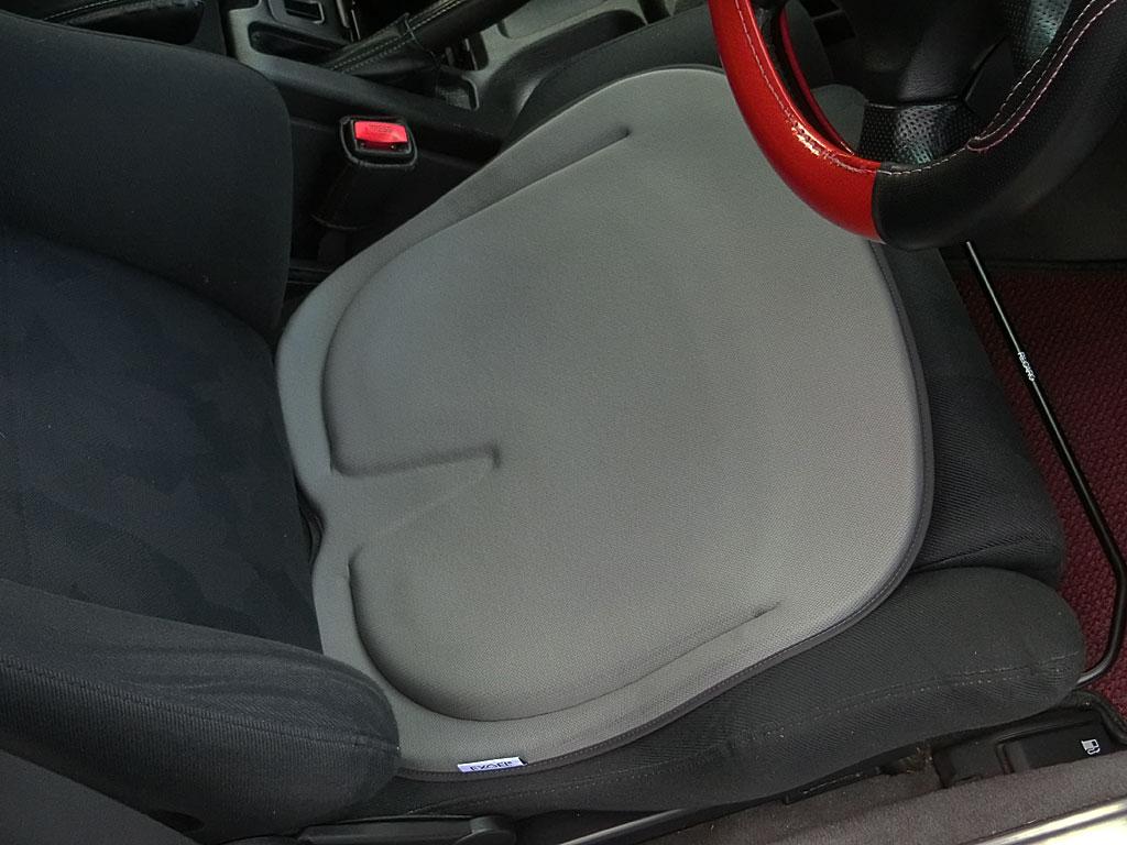 EXGEL ハグドライブ シートクッション