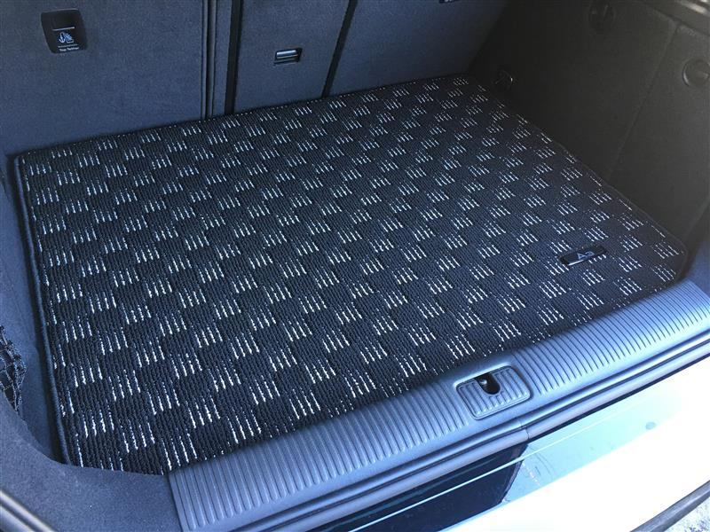 Audi純正(アウディ) ラゲッジカーペット