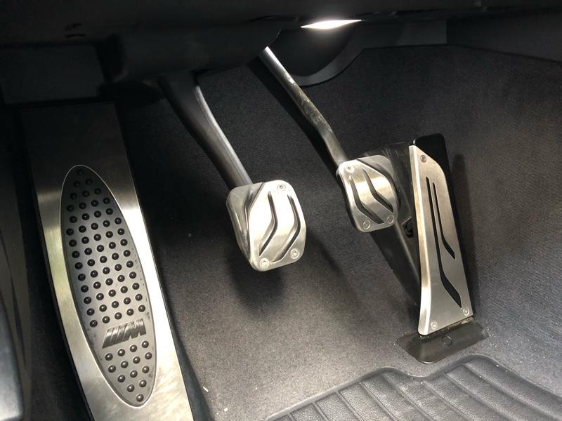 BMW M PERFORMANCE ステンレス スチール ペダルセット