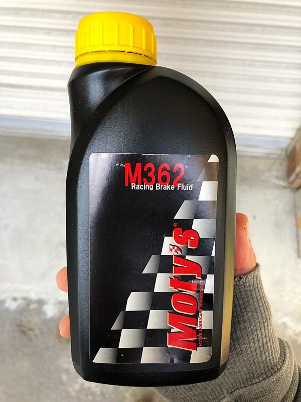 Moty's M362 / Racing Brake Fluid