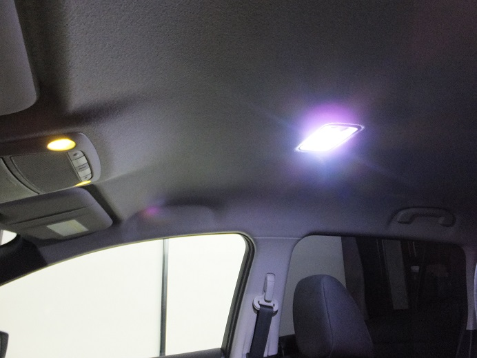 純正ルームランプ LED打ち替え