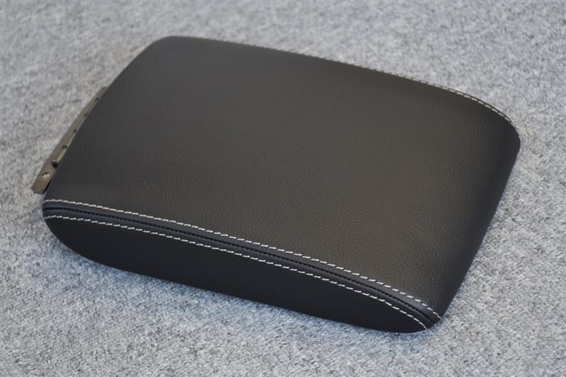 Leather Custom FIRST GHインプレッサ純正コンソール革張り加工