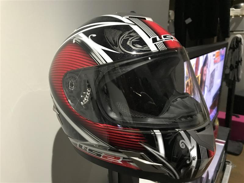 LS2 ヘルメット