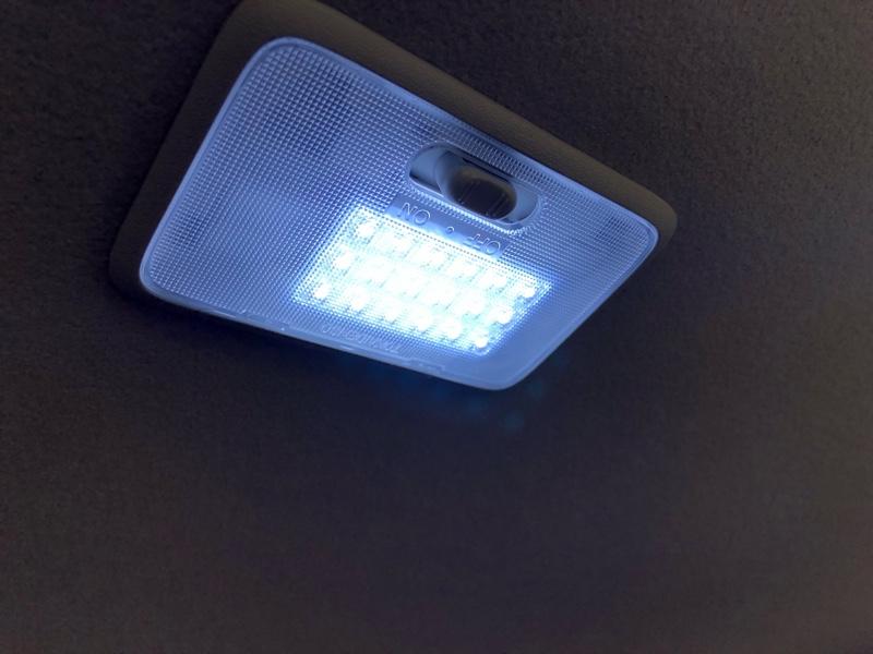 不明 DA64W ハイルーフ車対応 LEDルームランプ