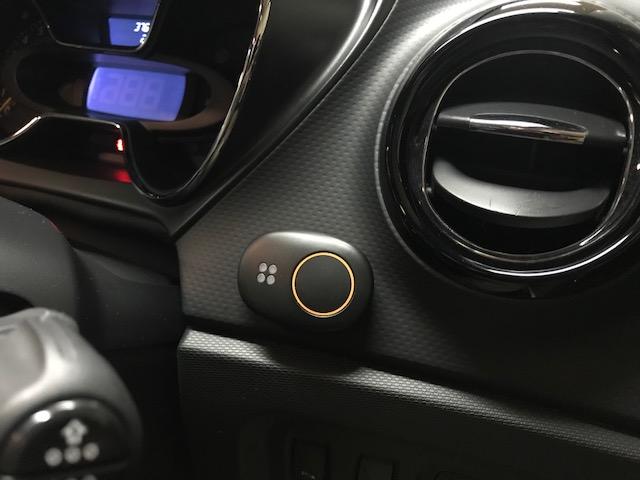 メーカー・ブランド不明 つながるボタン(おとなの自動車保険)
