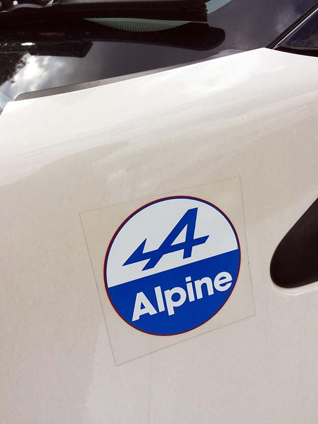 不明 Alpineステッカー