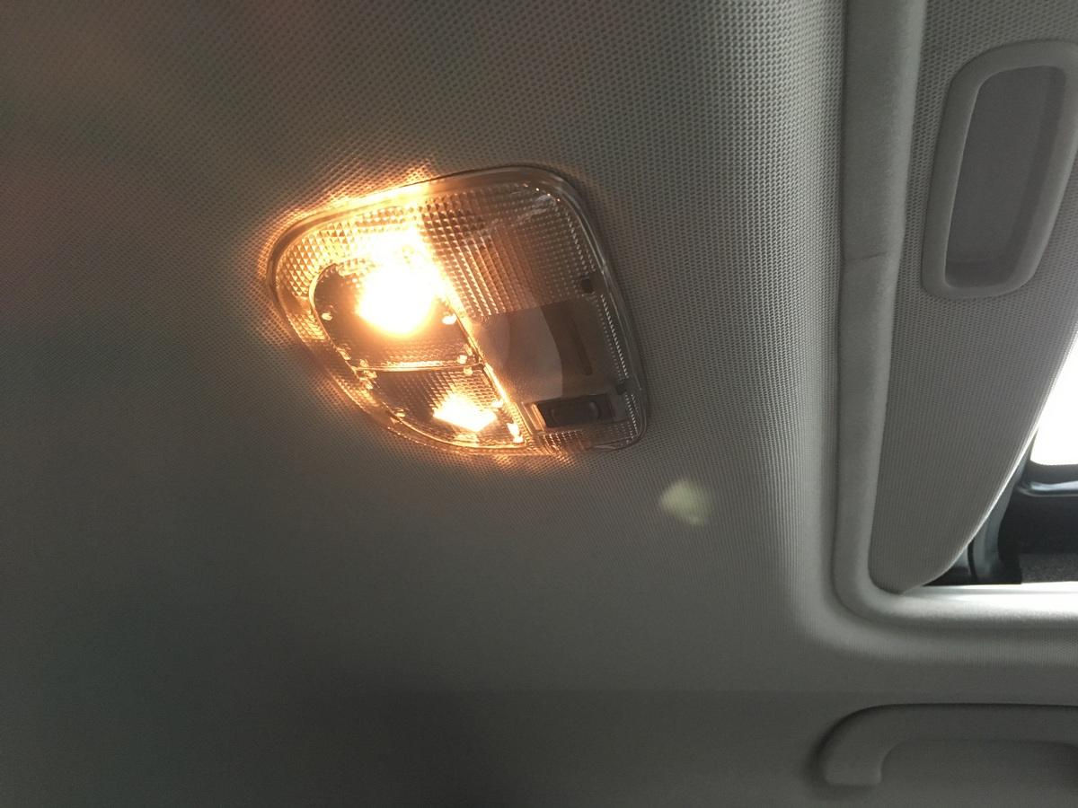 スバル(純正) SUNROOF DOME LAMP UNIT