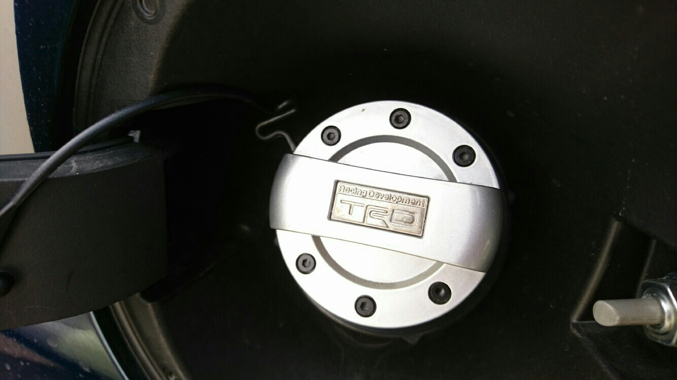 TRD / トヨタテクノクラフト フューエルキャップカバー