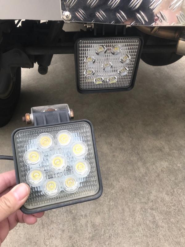 不明  LEDバックランプ