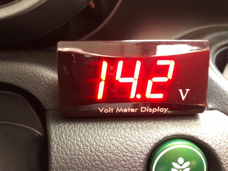 不明 デジタル 防水 電圧計