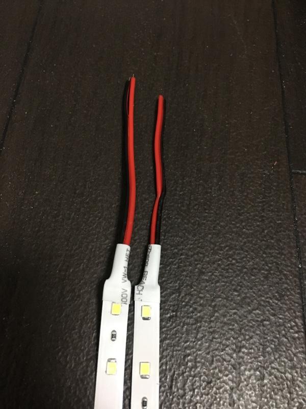Kaito Denshi / 海渡電子 【1本入り】 両端子 5M 12V 非防水 1チップ 薄型 LEDテープライト (白色/白ベース)