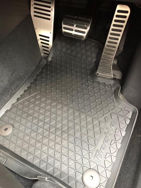 VW  / フォルクスワーゲン純正 ラバーマット