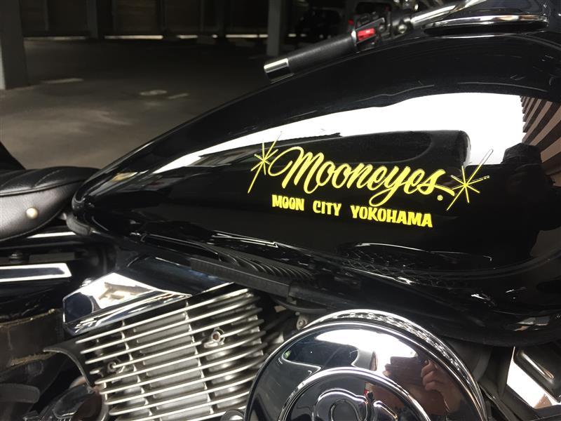 MOON EYES MOON City YOKOHAMA 抜きデカール